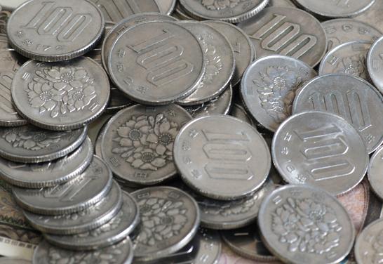 100円玉硬貨